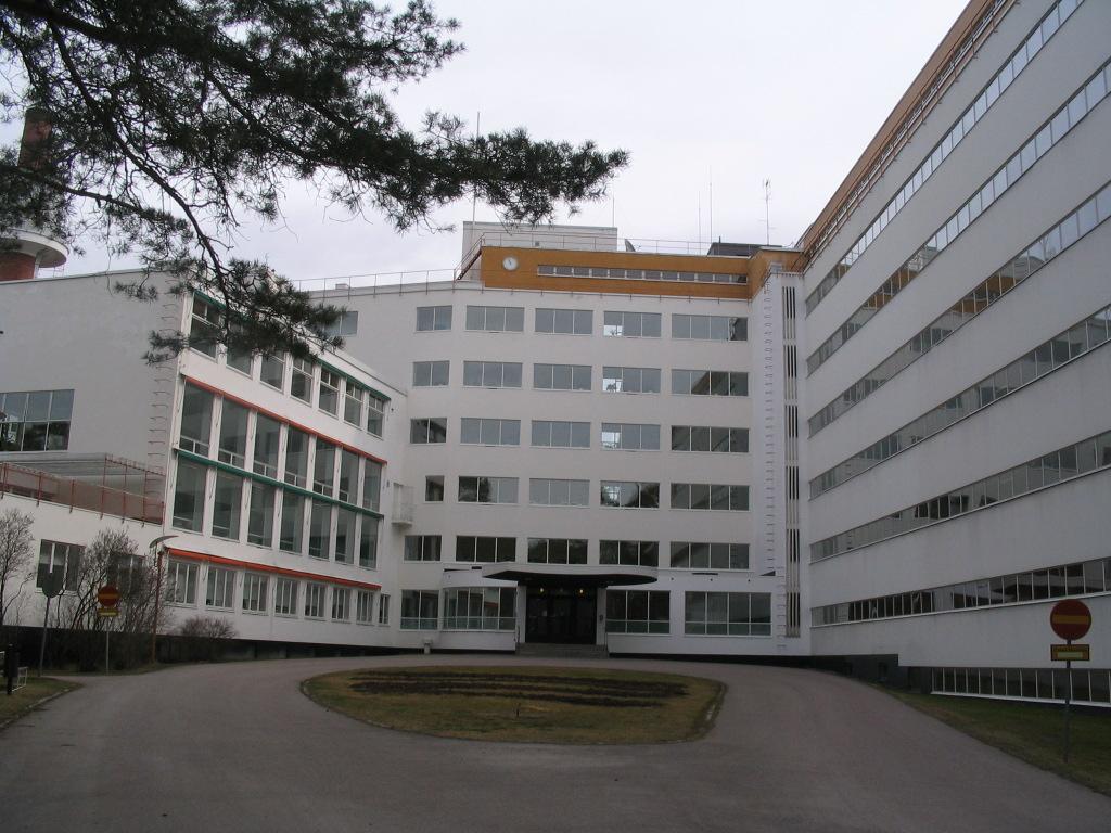 Europe 2009 – April 23: Southern Finland tour – Paimio Sanatorium 1